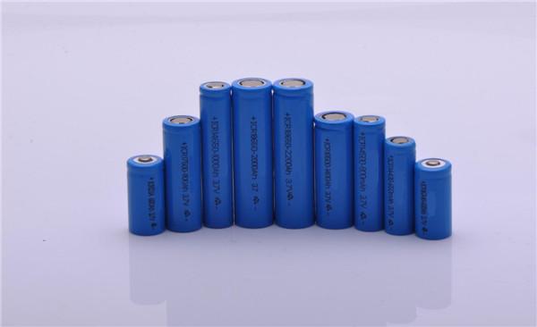 近八成锂电池公司业绩飘红 天齐锂业中期净利料超9亿元