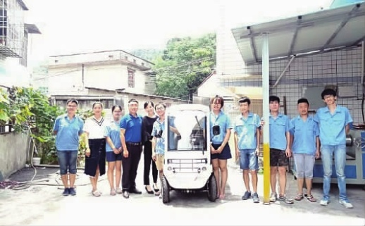 长沙理工大学团队研制新型电池 电动车加盐水就能跑300公里