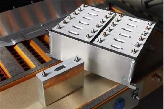 资讯中心 电池知识  宝马i3,使用三星sdi方形电芯.