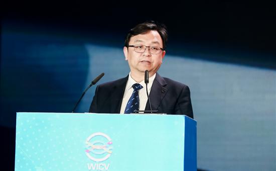 比亚迪王传福:汽车智能化发展的基础是电动化