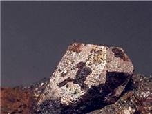 外媒钴价加速向国内靠拢 硫酸钴跌幅放缓