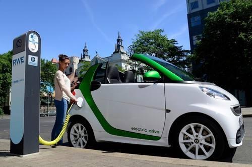 专家:有信心在三五年内解决动力电池和汽车安全问题