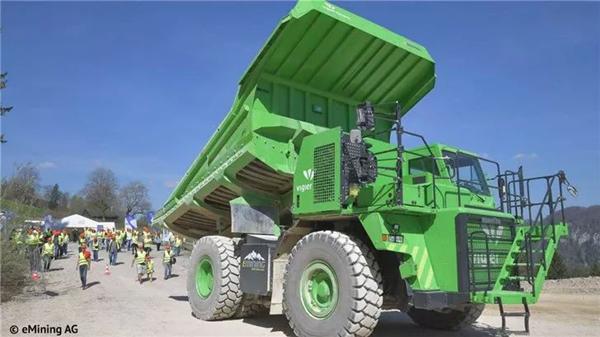 震惊!世界最大电动卡车从来不需要充电