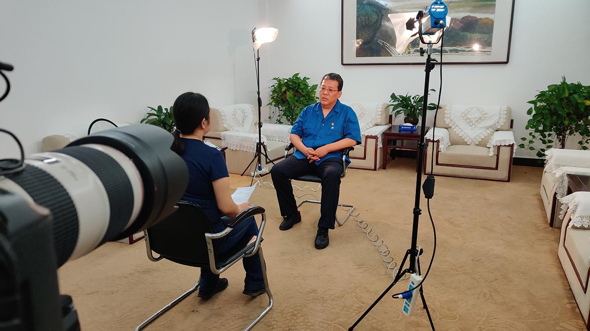 《洞見》節目組采訪風帆有限責任公司董事長李勇